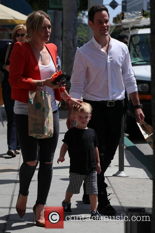 Hilary Duff, Luca Comrie and Mike Comrie 3