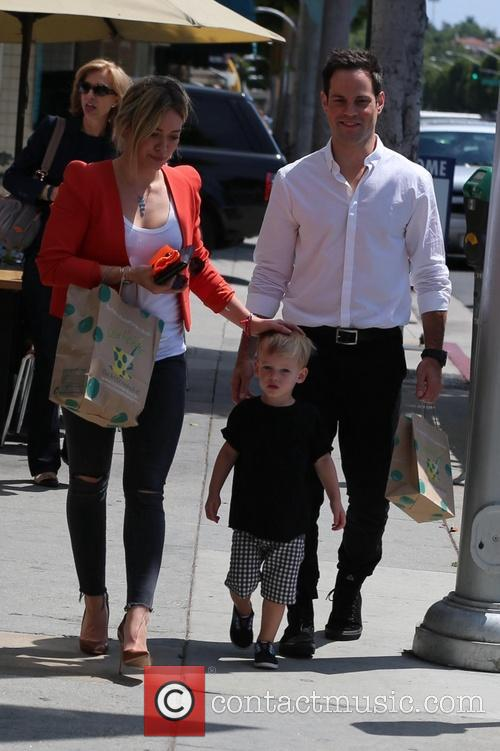 Hilary Duff, Luca Comrie and Mike Comrie 4