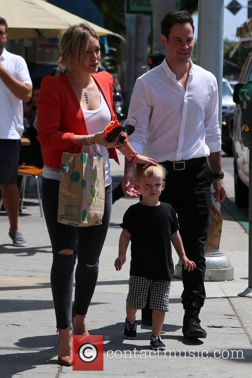 Hilary Duff, Luca Comrie and Mike Comrie 5