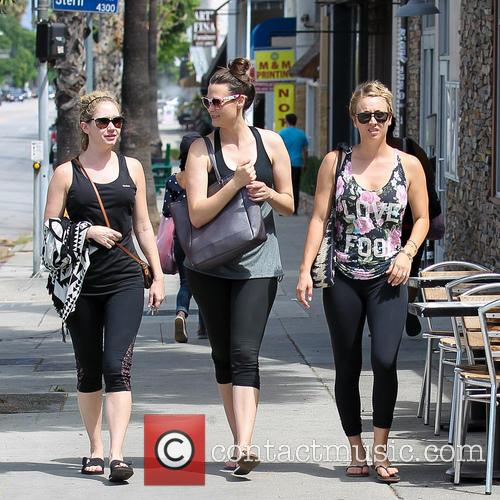 kaley cuoco kaley cuoco leaves a gym 4321750