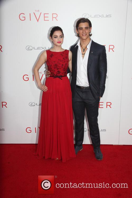 Odeya Rush and Brenton Thwaites 4