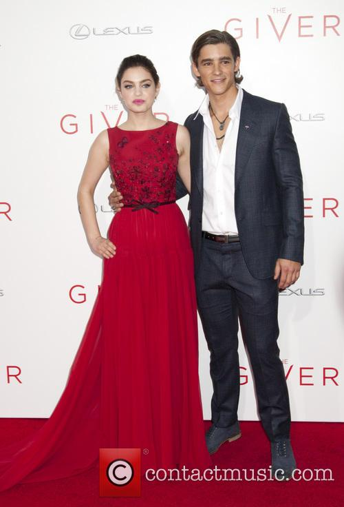 Odeya Rush and Brenton Thwaites 7