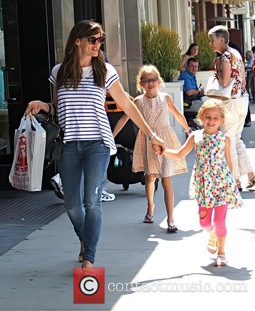Jennifer Garner, Violet Affleck and Seraphina Affleck 2
