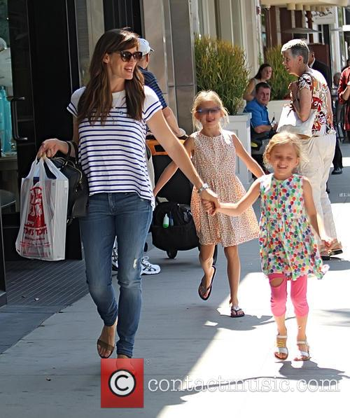 Jennifer Garner, Violet Affleck and Seraphina Affleck 8