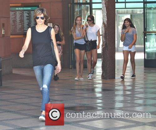 Lisa Rinna takes her daughters to a salon...