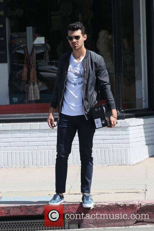 Joe Jonas goes shopping for Stampd shoes