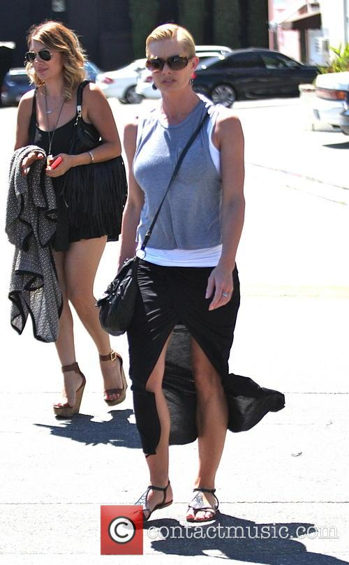 jaime pressly jaime pressly out with a 4326889