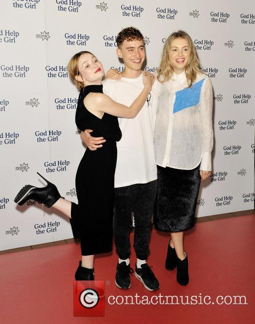 Emily Browning, Olly Alexander and Hannah Murray 9