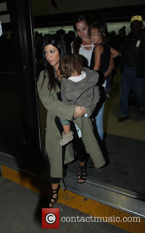 Kourtney Kardashian, Penelope Disick and Mason Disick 3