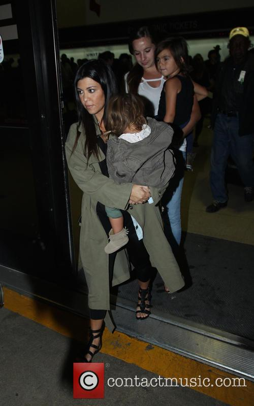 Kourtney Kardashian, Penelope Disick and Mason Disick 5