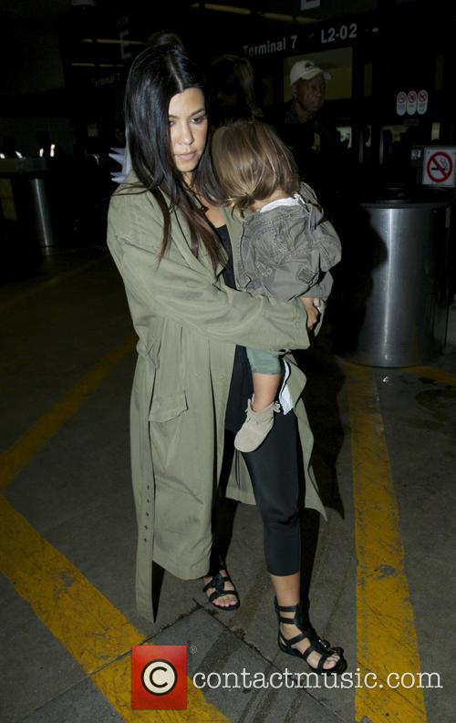 Kourtney Kardashian, Penelope Disick and Mason Disick 7