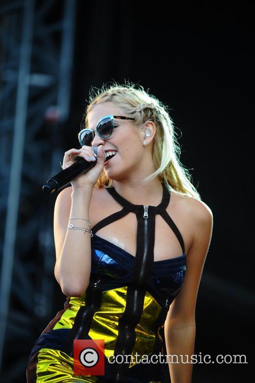 Pixie Lott, V Festival