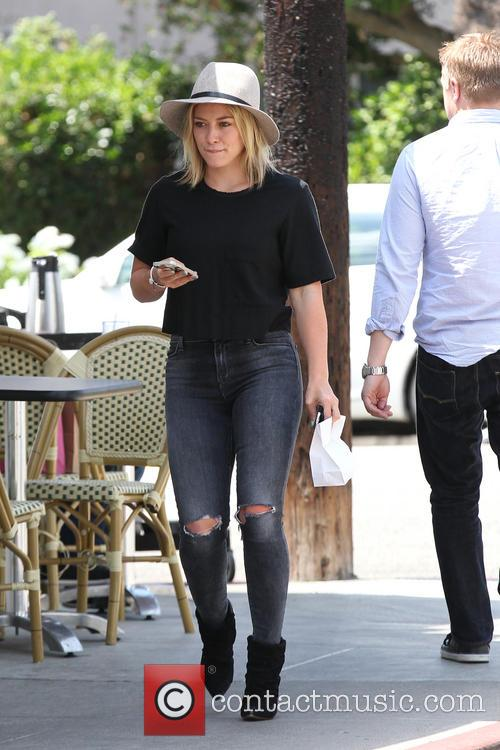 Hilary Duff leaving La Conversation Cafe
