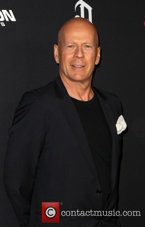 bruce willis sin city a dame to 4330898