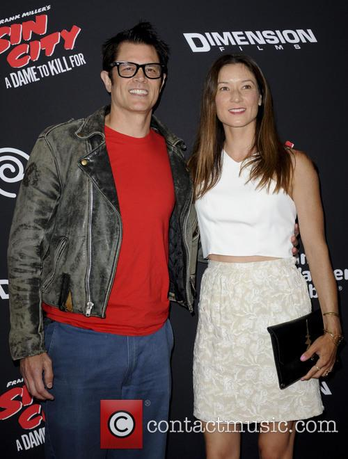 Johnny Knoxville and Naomi Nelson 9