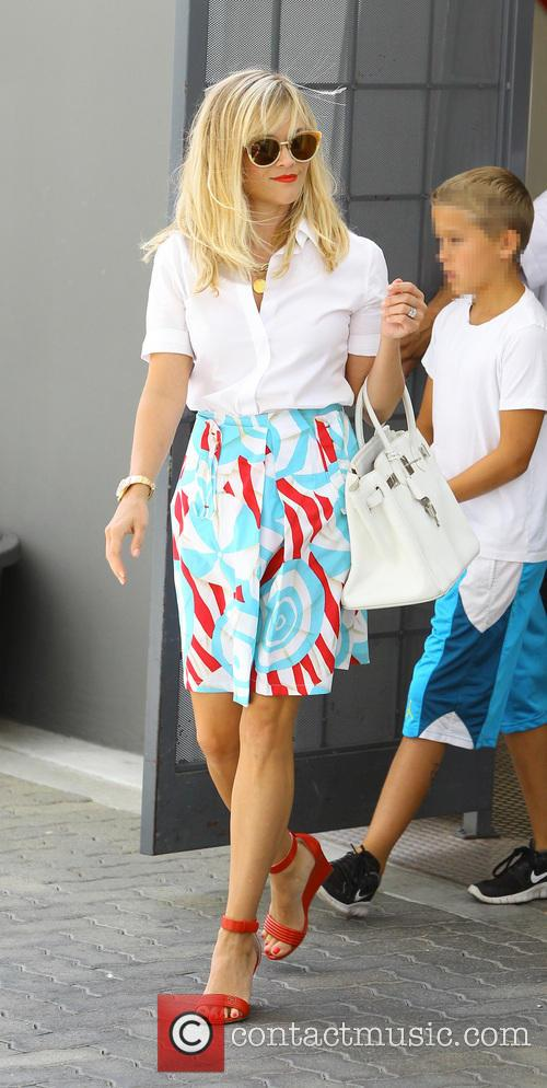 Reese Witherspoon returns to Los Angeles