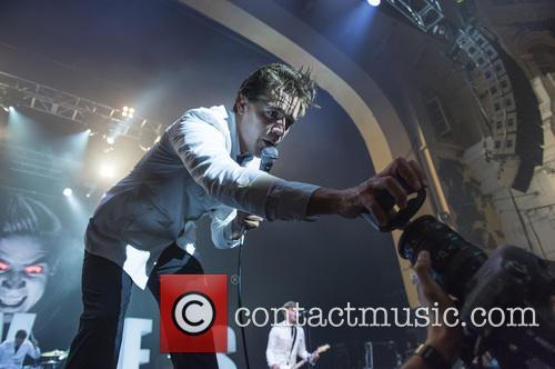 The Hives and Pelle Almqvist 8