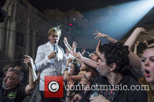 The Hives and Pelle Almqvist 10