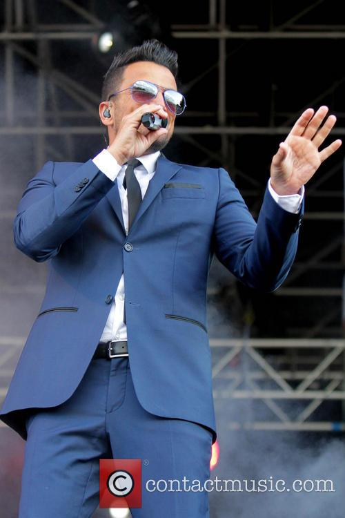 Peter Andre performs at Newmarket Racecourse for 'Summer Saturday Live'