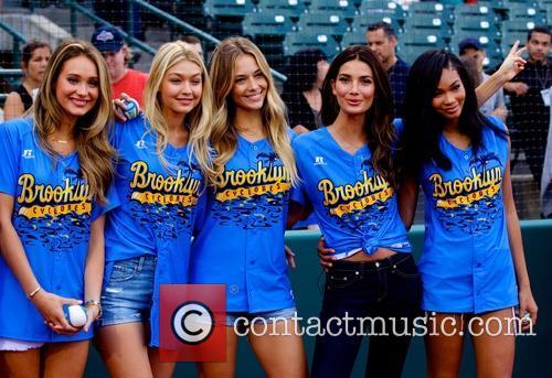Lily Aldridge, Gigi Hadid, Hannah Davis, Hannah Ferguson and Chanel Iman 5