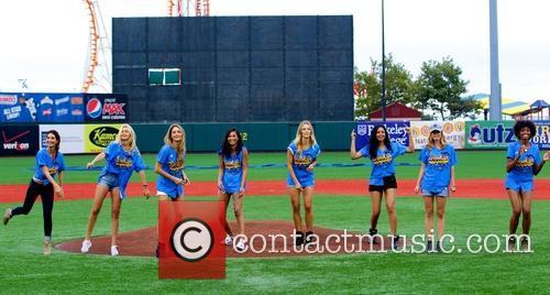 Lily Aldridge, Hannah Davis, Hannah Ferguson, Gigi Hadid, Chanel Iman, Ariel Meredith, Jess Perez and Adaora Kubilo