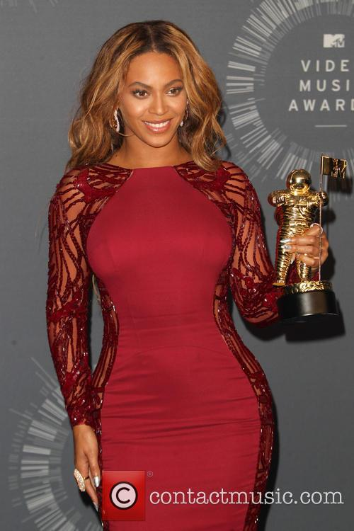 Beyonce at the MTV VMAs 2014