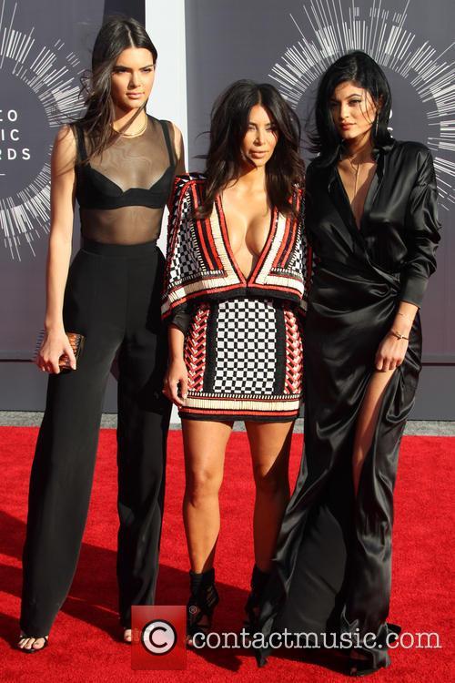 Kendall Jenner, Kim Kardashian and Kylie Jenner 4