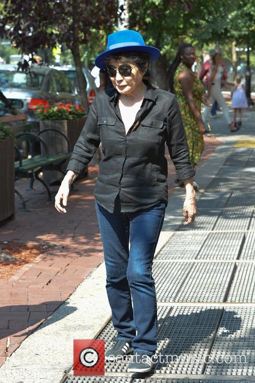 Yoko Ono, Bar Pitti