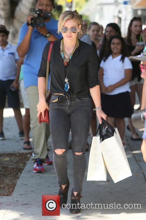 Hilary Duff Curve