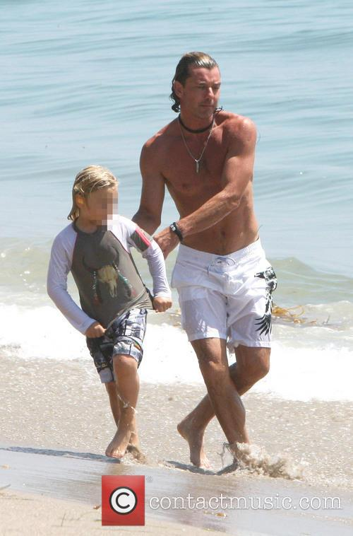 Gavin Rossdale spends time with his two sons...