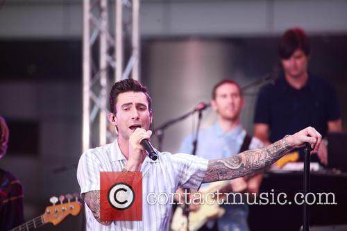 Adam Levine, Maroon 5, Rockeffeller Plaza