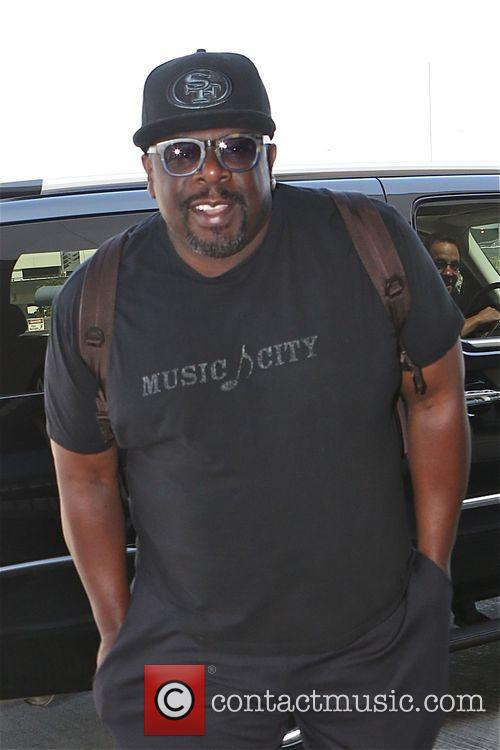 Cedric the Entertainer photographs the photographers at Los...