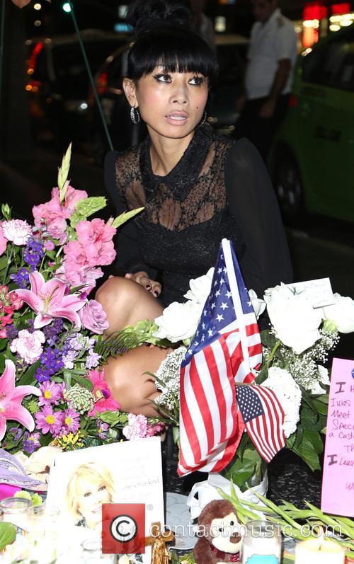 Celebrities visit Joan Rivers' Hollywood star