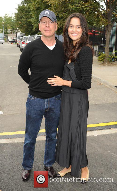 Bruce Willis and Emma Heming 5