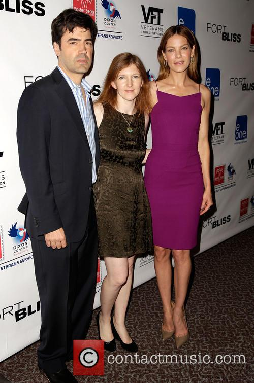 Ron Livingston, Claudia Myers and Michelle Monaghan 9