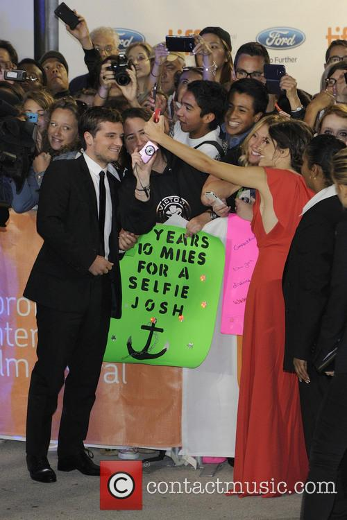 Josh Hutcherson and Claudia Traisac 9