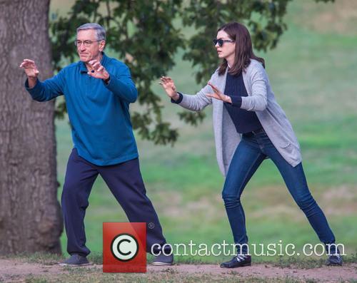 Anne Hathaway and Robert De Niro 9