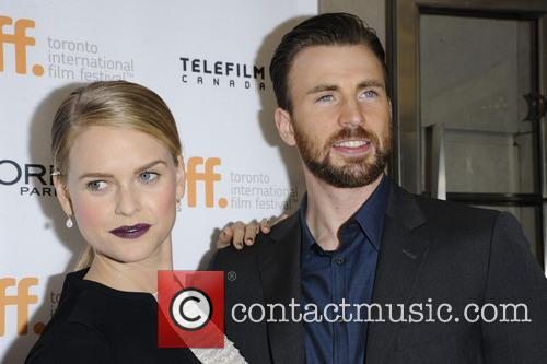 Alice Eve and Chris Evans 4