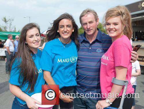 Clark, Kate Allen, Enda Kenny and Laura Honan (make A Wish) 7