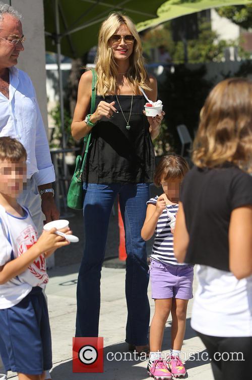 Heidi Klum shops with her children