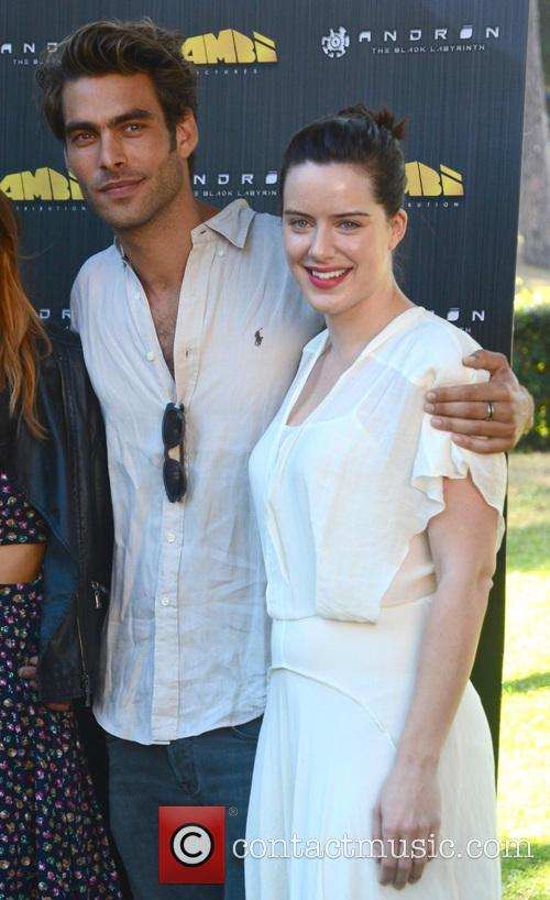 Jon Kortajarena and Michelle Ryan 6