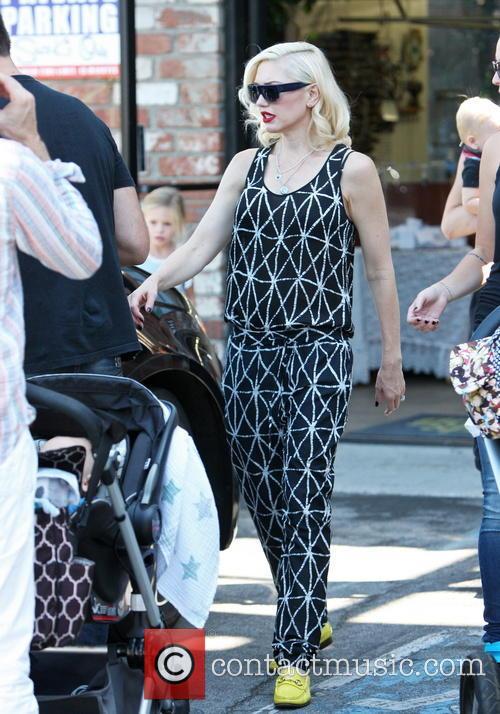 Gwen Stefani visits her parents in LA.