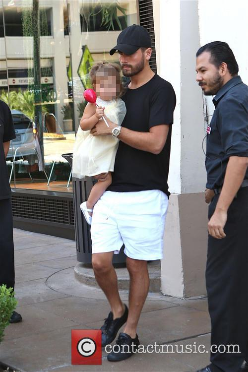 Scott Disick and Penelope Disick 3