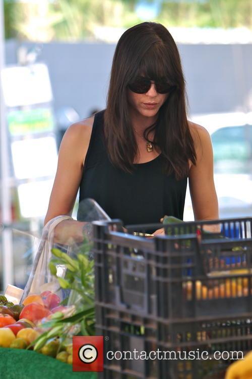 Selma Blair shopping at Studio City Farmers Market