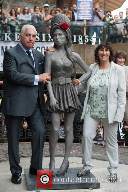 Mitch Winehouse and Janis Winehouse 1