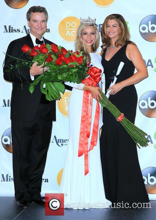 Sam Haskell, Miss America Kira Kazantsev and Kathy Ireland 1
