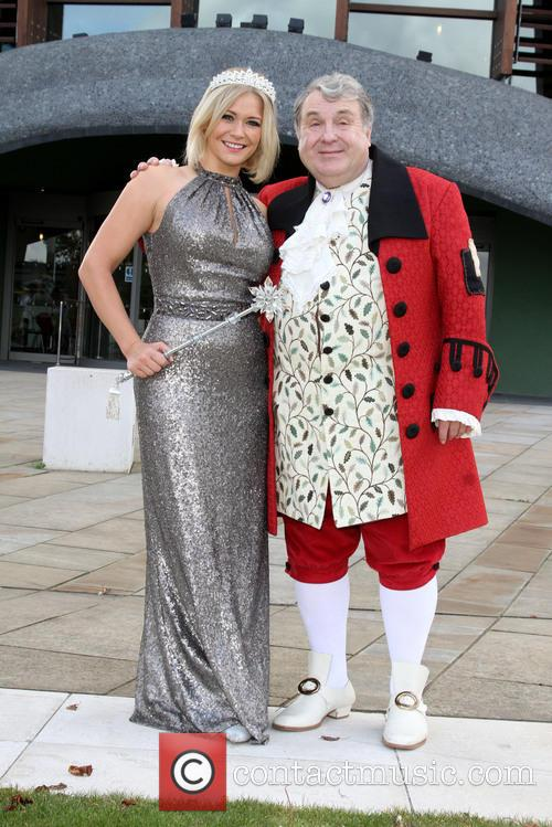 Suzanne Shaw and Russell Grant 8