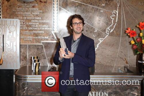 Josh Groban lights up the Empire State Building