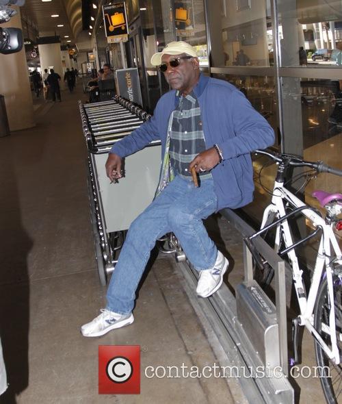 Richard Roundtree arrives at Los Angeles International Airport