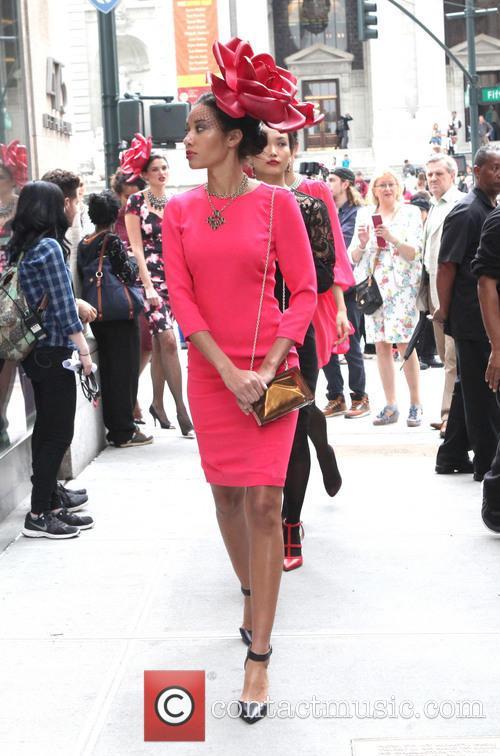 Eva Mendes and Models 6